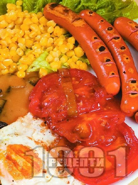 Ирландска закуска с наденички, яйца, гъби и царевица - снимка на рецептата